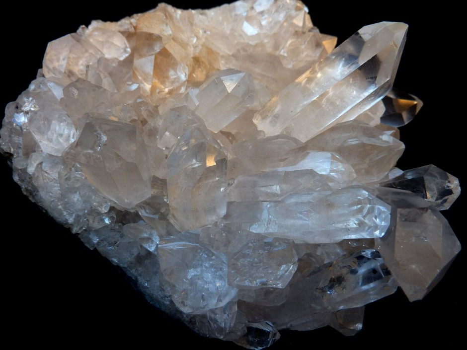meaning of quartz crystal